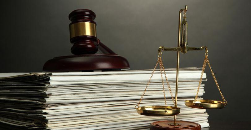 Нужны ли услуги юриста за границей ?